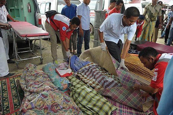 Reportan al menos 93 muertos y varios desaparecidos por terremoto en Indonesia (+ Fotos)