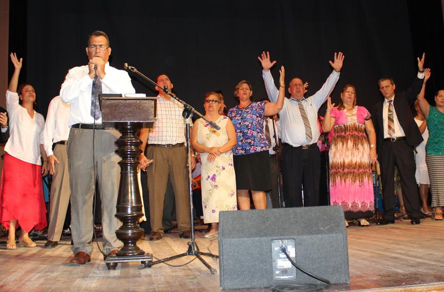 Iglesias evangélicas de Manzanillo celebran culto por la Navidad // Foto Marlene Herrera