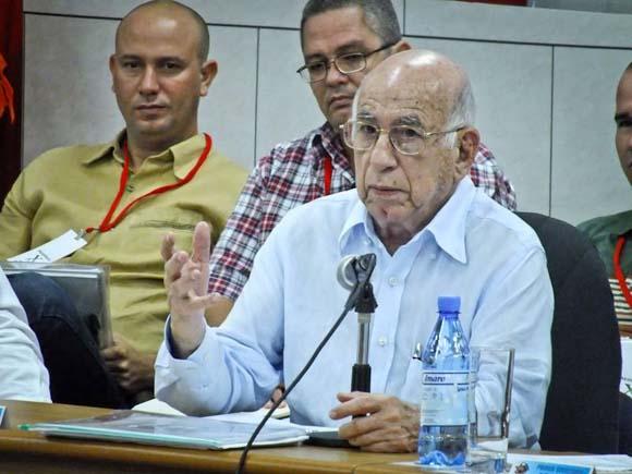 """Machado Ventura: """"Esa continuidad de la Revolución confiada a los jóvenes no es misión hipotética"""""""