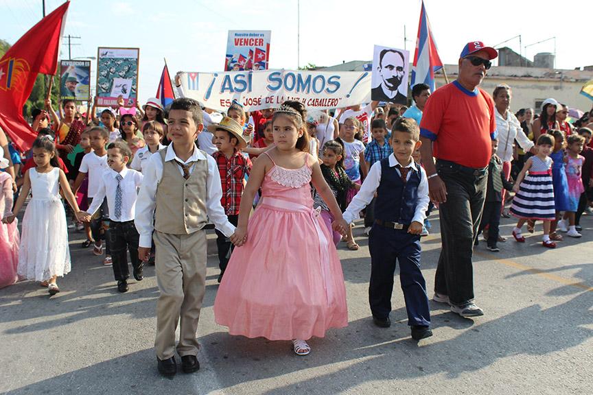 Prepara Granma desfiles en homenaje al natalicio de José Martí