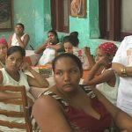 Intercambian miembros de la FMC con embarazadas en Manzanillo