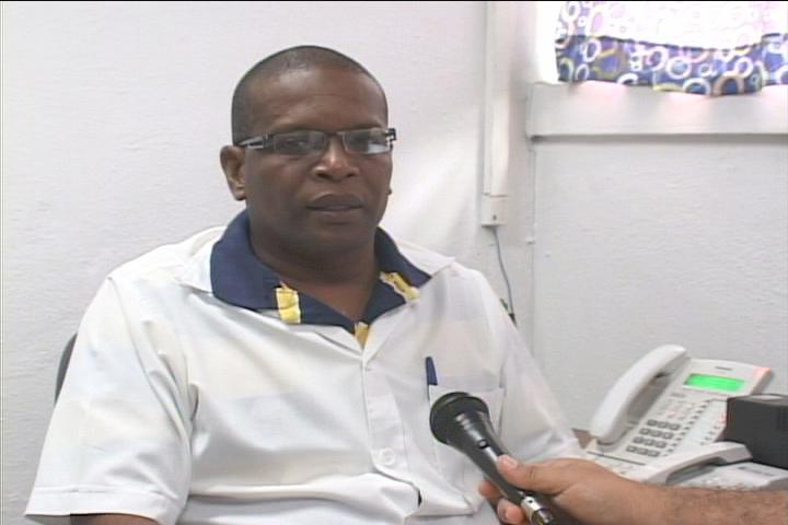 Doctor René Osvaldo Jhonson Quiñones, director del hospital // Foto Golfovisión TV