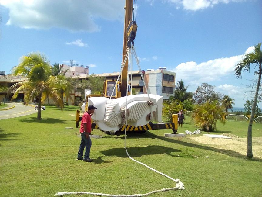 Las obras son emplazadas en áreas del Hotel Guacanayabo // Foto Lilian Salvat