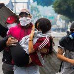 Venezuela denuncia empleo de niños en violentas protestas