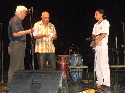 Premio Nacional de Poesía Manuel Navarro Luna para Carlos Alberto Esquivel Guerra // Foto Lilian Salvat