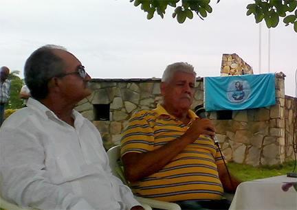 Pedro Vera junto a César Martín, en La Demajagua // Foto Yurisdel Reyez