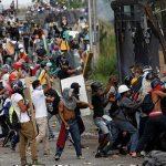La violencia de la oposición ha provocado víctimas inocentes. Foto: Carlos Garcia Rawlins/ Reuters