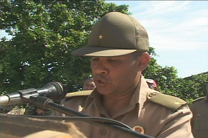 Niover García Reyes, jefe del trabajo político ideológico de la Escuela Militar Camilo Cienfuegos de Manzanillo // Foto Golfovisión TV