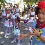 Actuación de Las abejitas del palmar en el parque infantil Bartolomé Masó // Foto Eliexer Peláez