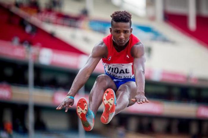El saltador largo Maikel Vidal le dio a Cuba su primera medalla de oro en el Campeonato Mundial. Foto: Getty Images