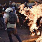Orlando Figuera (21 años) fue acuchillado y quemado vivo el 20 de mayo de 2017, en el barrio de Altamira, Distrito Capital. Foto: El Nacional/ Red58.