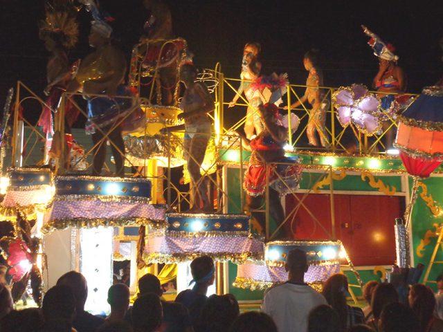 Las Voluminosas en el Carnaval Manzanillo 2017 // Foto Marlene Herrera