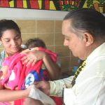 Choferes de la Agencia de Taxis Granma donan artículos para niños hospitalizados // Foto Golfovisión TV