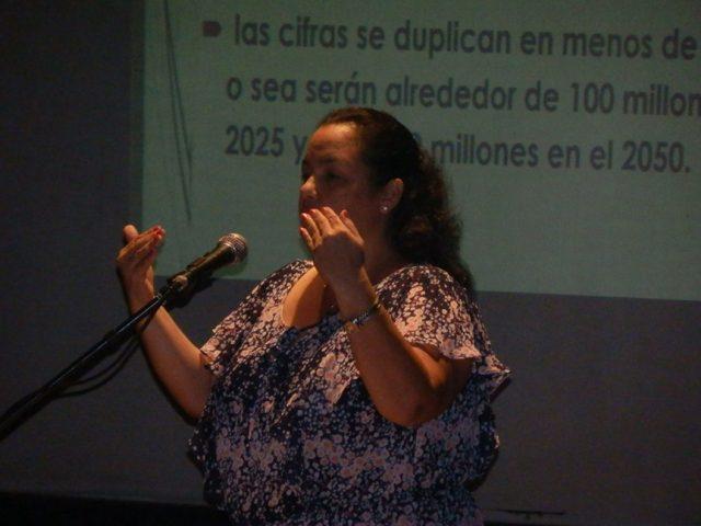 Con la conferencia magistral impartida por la doctora Leonor Núñez, El ejercicio físico y la calidad de vida, comenzó este evento // Foto Lilian Salvat