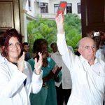 Machado Ventura en reconocimiento a El Instituto de Ciencias Básicas y Preclínicas (ICBP) Victoria de Girón. Foto: PL.