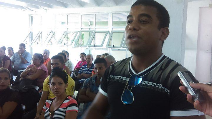 Los profesores de la escuela pedagógica manzanillera reflexionaron con la ministra sobre la necesidad de dejar una huella motivadora en cada clase // Foto Eliexer Peláez