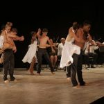Acompañados por la Orquesta de Cámara Rubén Urribarres, los estudiantes de las enseñanzas artísticas bailaron un tango argentino (Foto: Anniel Villa)