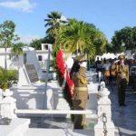 La obra en bronce es de la autoría del escultor santiaguero Alberto Lescay Merencio y fue colocada en la tumba de Mariana el pasado 12 de julio de 2015. Foto: Miguel A. Gaínza Chacón