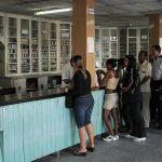 El Minsap y BioCubaFarma laboran para dar respuesta al sistema de Salud y lograr la disponibilidad de al menos un medicamento por grupo farmacológico. Foto: Archivo.
