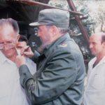 Roberto Ramírez Junto a Fidel // Foto cortesía de Roberto Ramírez