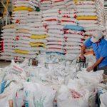 El donativo tiene el mérito adicional de realizarse cuando la propia nación indochina se repone de recientes y sucesivos embates de tifones e inundaciones. Foto tomada de PL.