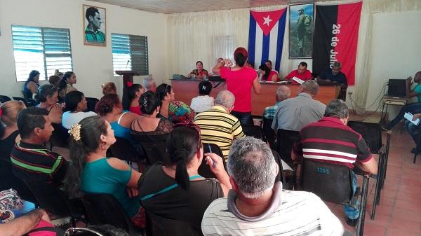 Intercambian experiencias manzanilleros de las organizaciones de base campesinas // Foto Eliexer Peláez