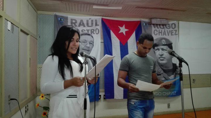 La locución a cargo de Loly Barbán y Antonio // Foto Marlene Herrera