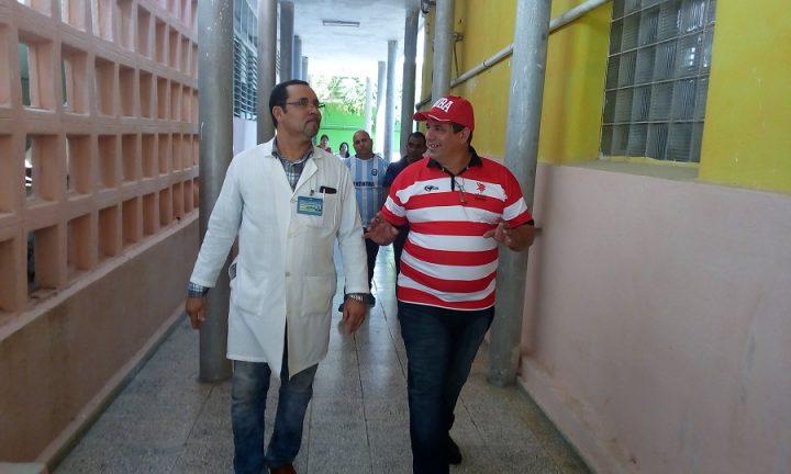 Visita al Hospital Ginecobstétrico Fe del Valle // Foto Eliexer Peláez