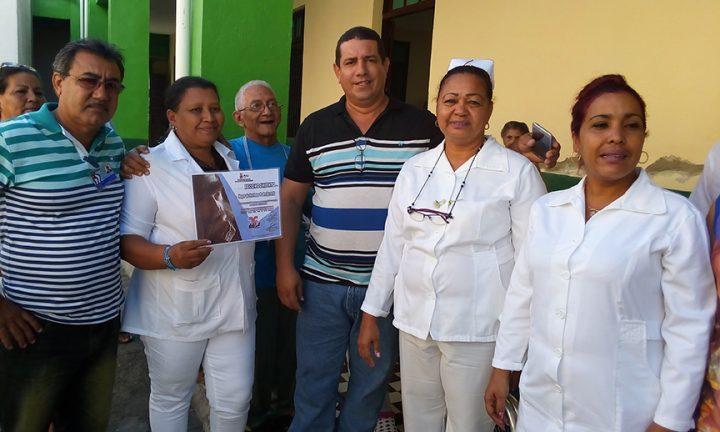 Colectivo del Hogar de ancianos Padre Acevedo // Foto Eliexer Peláez