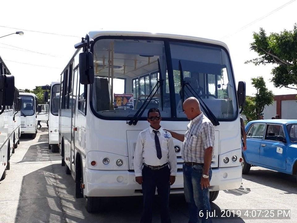 Llegan ómnibus rusos para reforzar transporte público en Manzanillo