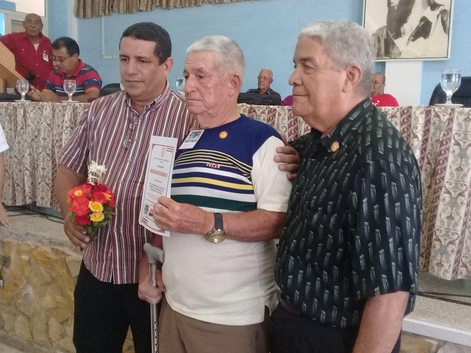 Reconocimiento a combatientes y organismos destacados // Fotos Carmen León