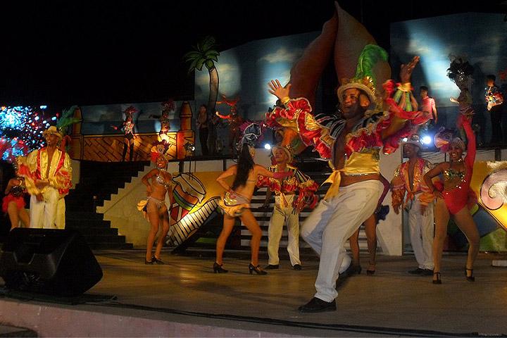 Comenzó el  carnaval en Manzanillo