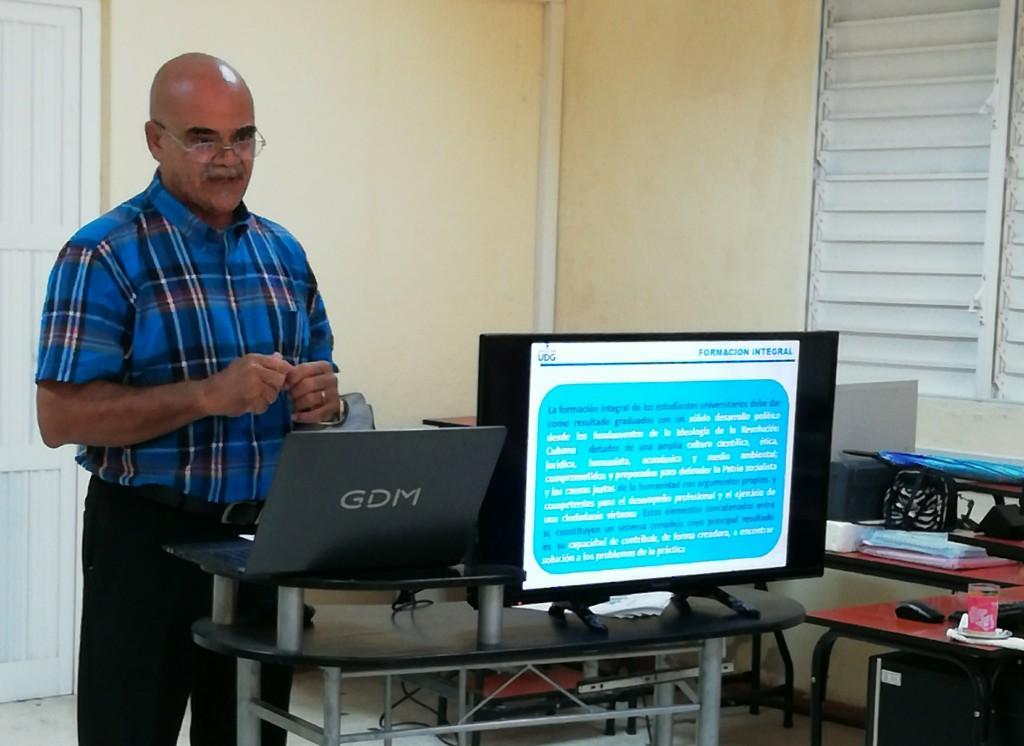 Dr.C Oscar Vivero Reyes