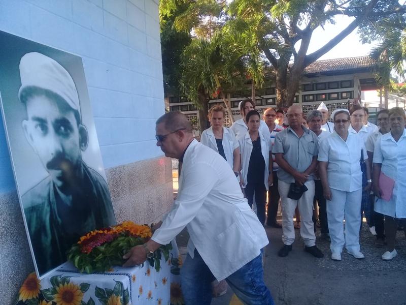 Rinden manzanilleros homenaje a Piti Fajardo