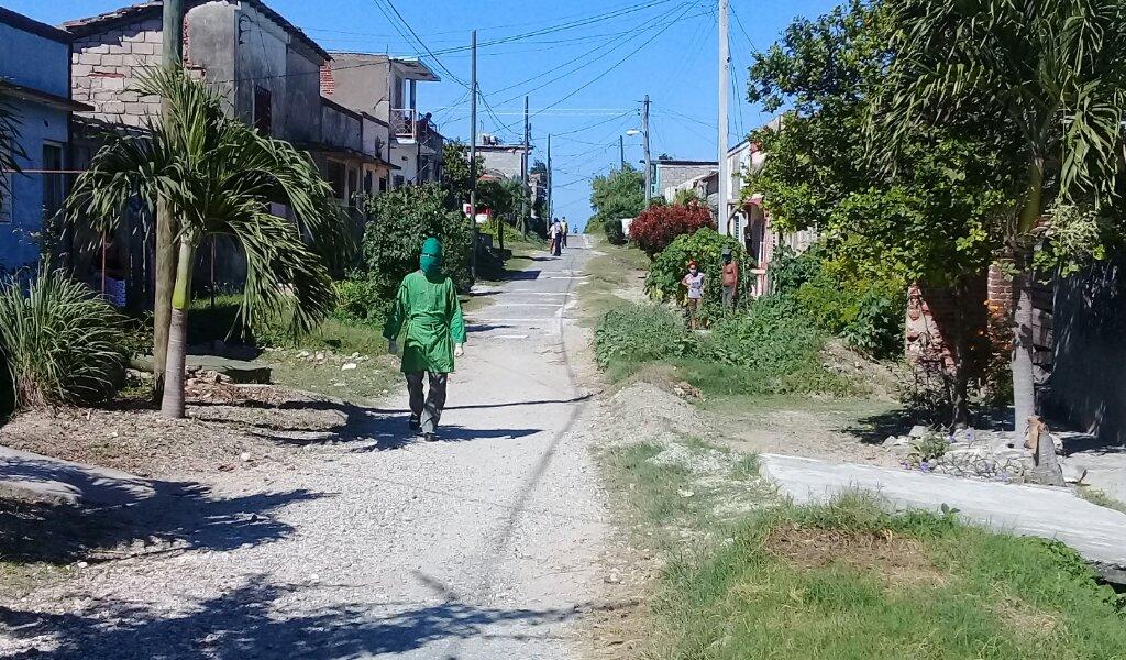 Decretan cuarentena a localidad de Manzanillo por confirmación de caso positivo a la COVID-19