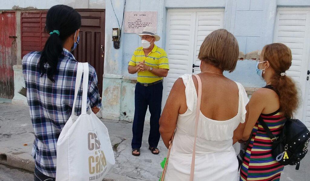 El hitoriador Delio Orozco habló sobre la historia del local de la otrora imprenta El Arte y de la intelectualidad manzanillera //Foto Eliexer Pelaez Pacheco